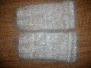 Angora Fingerless Gloves KIT